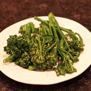 Garlicky broccolini