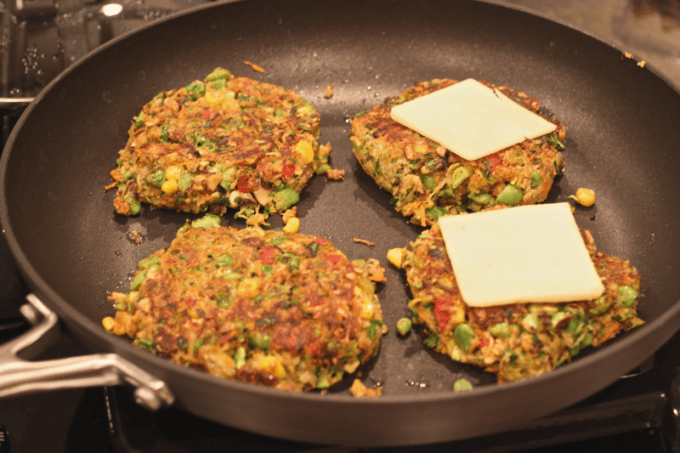 veggie burgers with cheese