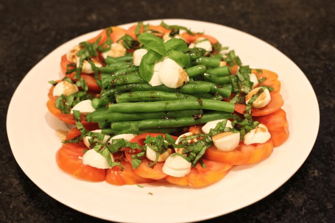 Green beans Caprese style salad with tomatoes, mozzarella, basil and an easy homemade balsamic vinaigrette
