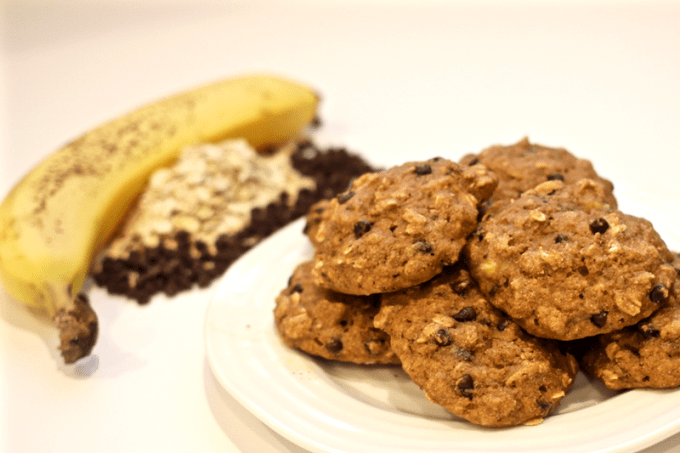 Banana oat cookies with chocolate chips