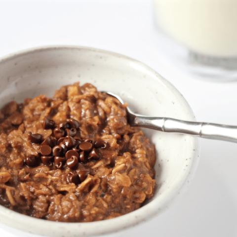 Chocolate breakfast oatmeal