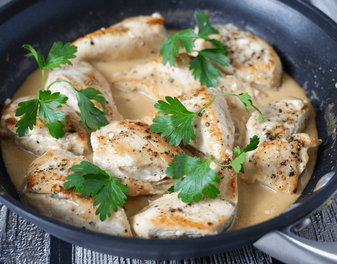 Easy creamy skillet chicken | FamilyFoodontheTable.com