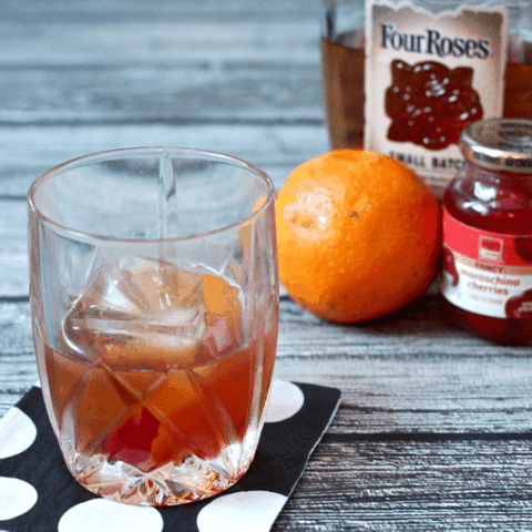 Old fashioned cocktail | FamilyFoodontheTable.com