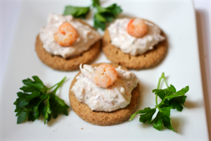 Quickie crab dip appetizer | FamilyFoodontheTable.com