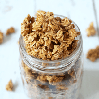 5-ingredient homemade granola | FamilyFoodontheTable.com