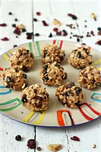 5-minute granola bites