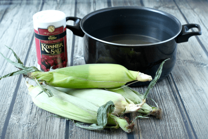 Easy, foolproof corn on the cob | FamilyFoodontheTable.com