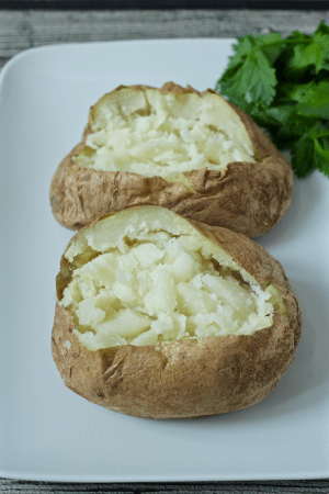 How to make baked potatoes in the microwave | FamilyFoodontheTable.com
