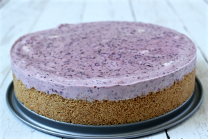 No-bake frozen blueberry pie | FamilyFoodontheTable.com