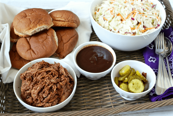 3-ingredient slow cooker pulled pork | FamilyFoodontheTable.com