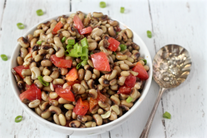 Crowder peas with tomatoes and green onion | FamilyFoodontheTable.com