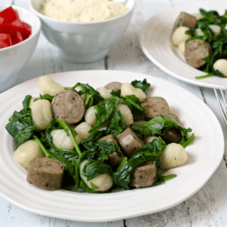 Gnocchi with chicken sausage and spinach - an easy 10-minute dinner! | FamilyFoodontheTable.com