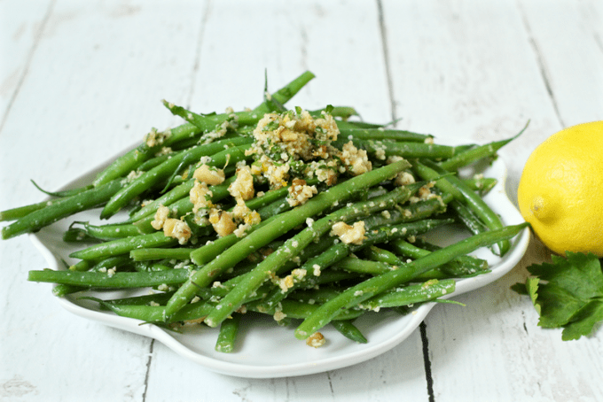 Green beans gremolata is a really easy, fast and flavorful veggie side dish!