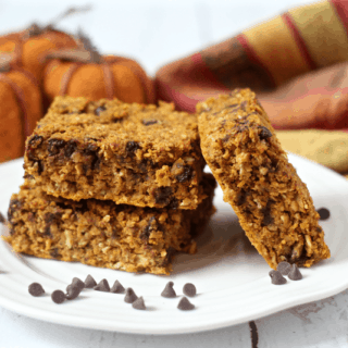 Skinny pumpkin chocolate chip oat bars