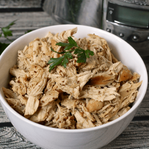Slow cooker honey mustard chicken - just 5 minutes to prep! | FamilyFoodontheTable.com