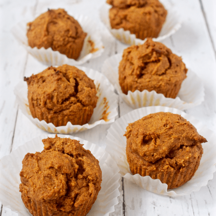 Peanut butter pumpkin muffins - whole grain and naturally sweetened! | FamilyFoodontheTable.com