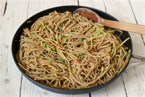 Peanut butter spaghetti with vegetables | FamilyFoodontheTable.com