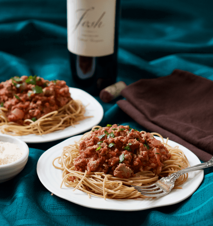Spaghetti dinner with easy homemade sauce - a healthy, simple version of the family classic! | FamilyFoodontheTable.com