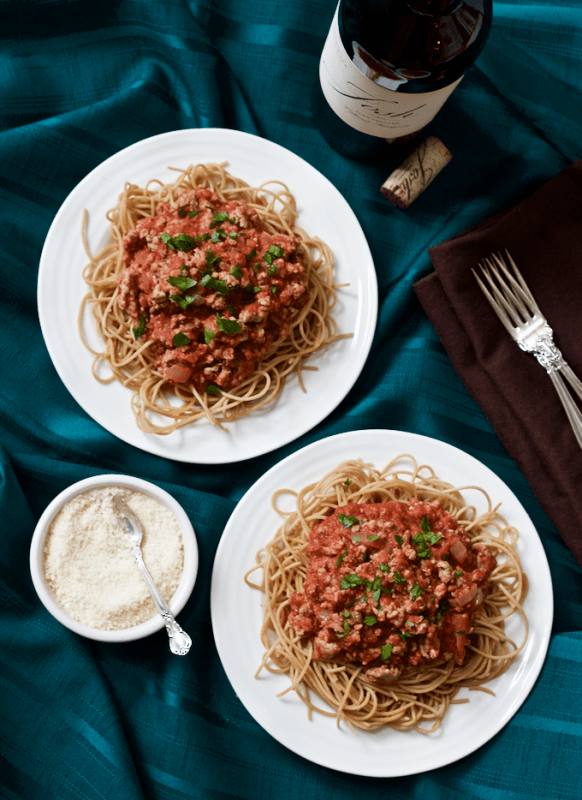 Spaghetti dinner with easy homemade sauce - a healthier version of the family favorite | FamilyFoodontheTable.com