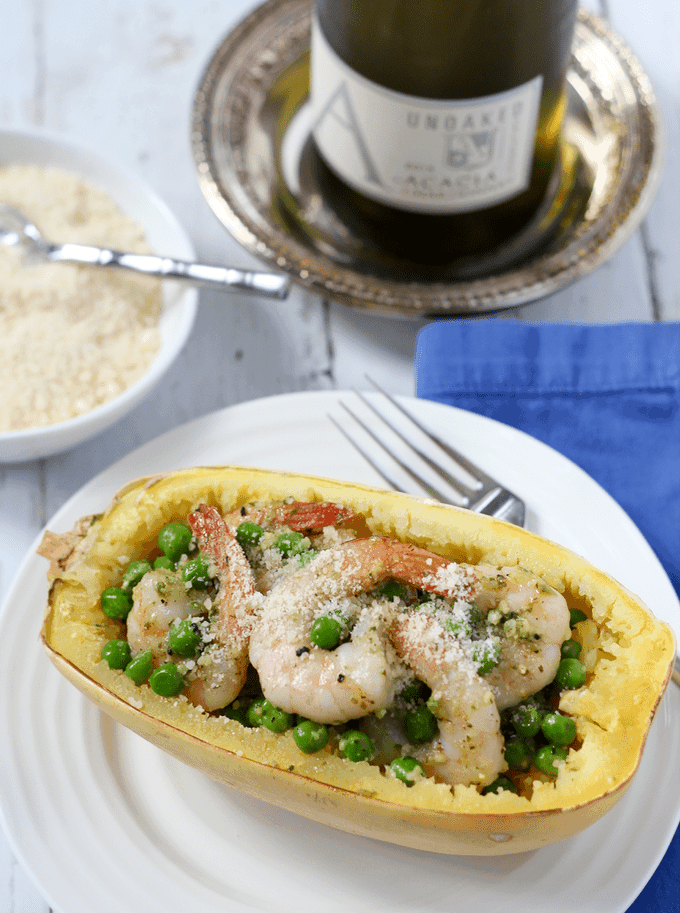 Spaghetti squash with pesto, shrimp and peas - an easy weeknight dinner! | FamilyFoodontheTable.com