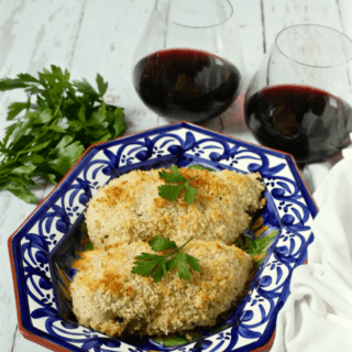 Easy crunchy baked chicken breasts - just 3 ingredients and no breading station needed! Makes for an easy weeknight dinner! | FamilyFoodontheTable.com