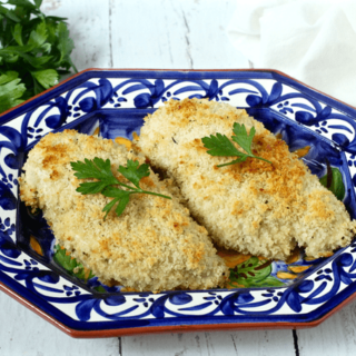Easy crunchy baked chicken | FamilyFoodontheTable.com - marinated in Italian dressing and coated with Panko breadcrumbs! | FamilyFoodontheTable.com