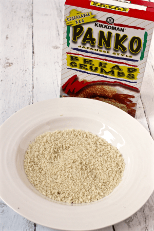 Panko breadcrumbs - a must for crunchy baked chicken! | FamilyFoodontheTable.com