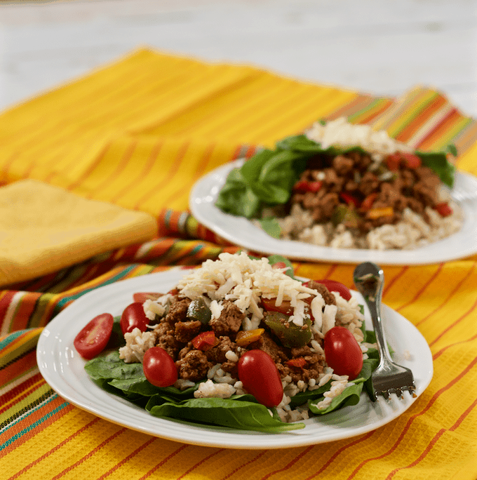 Healthy turkey taco salad - with homemade taco seasoning | FamilyFoodontheTable.com