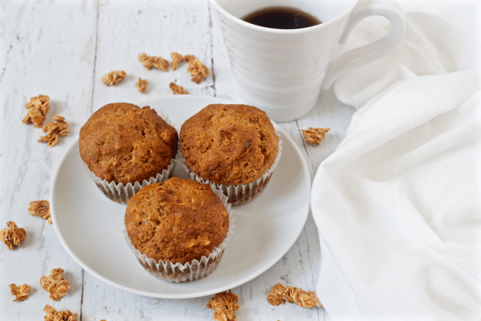 Healthy granola muffins - easy, wholesome muffins great for mornings, brunch or snack time! | FamilyFoodontheTable.com
