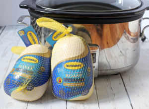Slow cooker deli turkey - an easy, homemade healthy turkey recipe | FamilyFoodontheTable.com