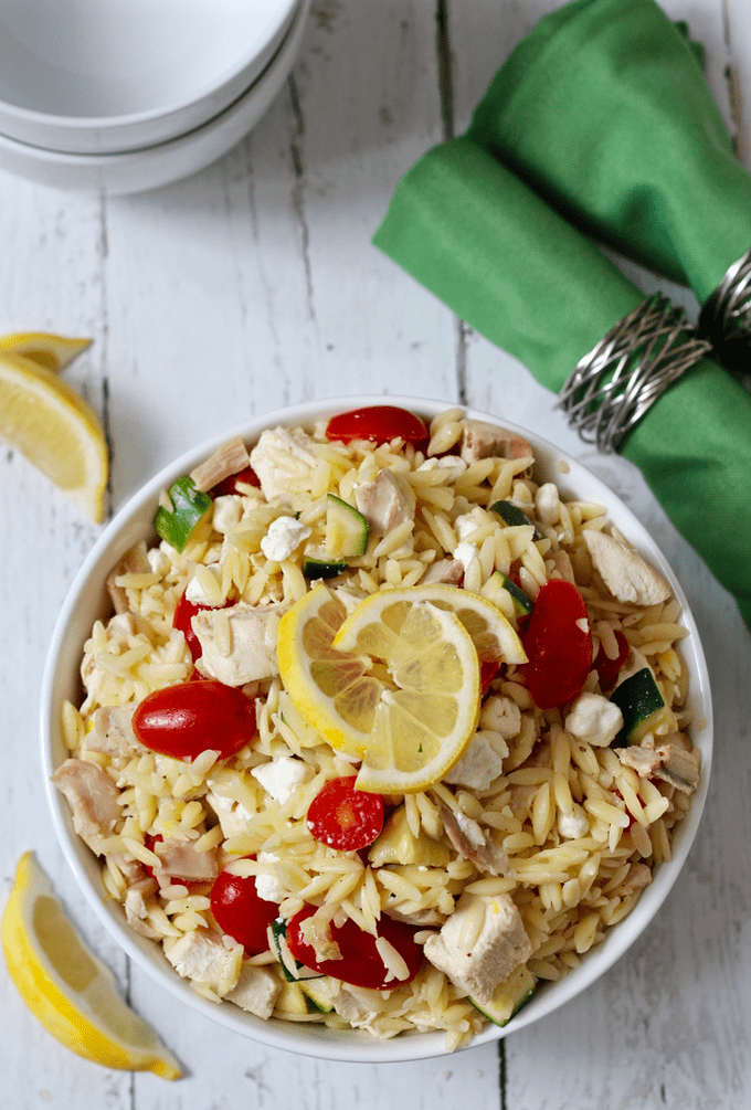 Lemony orzo chicken salad with tomatoes, zucchini and goat cheese - a 15-minute dinner! | FamilyFoodontheTable.com
