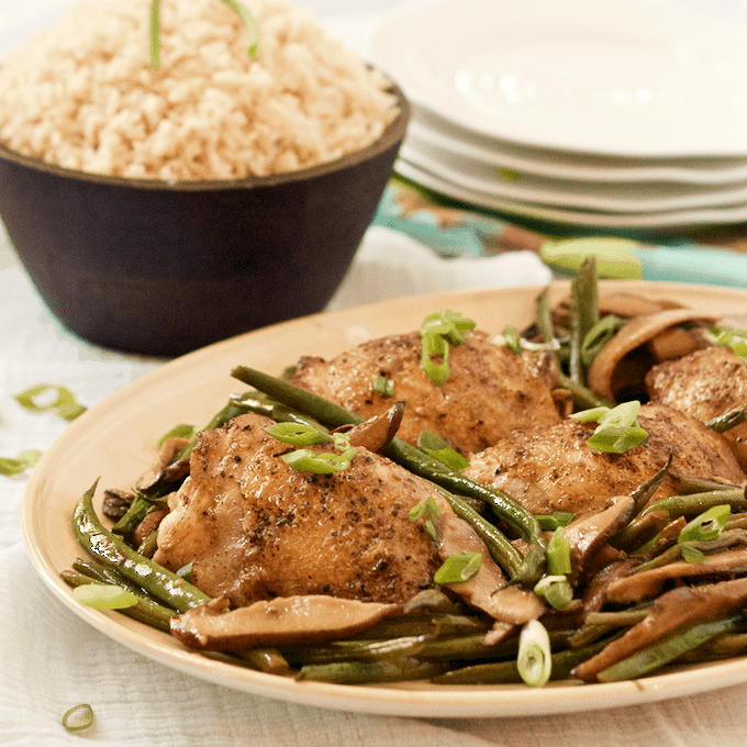 A 30-minute Asian chicken dinner with shiitake mushrooms and French green beans, all made in one skillet! | FamilyFoodontheTable.com