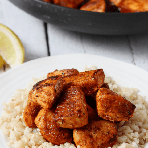 A 15-minute paprika chicken recipe that uses on-hand ingredients for big flavor! | FamilyFoodontheTable.com