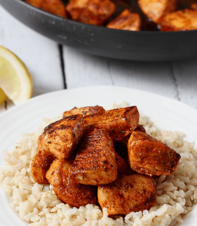 This super easy 15-minute paprika chicken recipe uses on-hand ingredients and has such big flavor! It's perfect for a quick weeknight dinner the whole family will love. #chicken #chickenrecipes