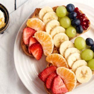 Rainbow toast - a fun fruit toast for kids! | FamilyFoodontheTable.com