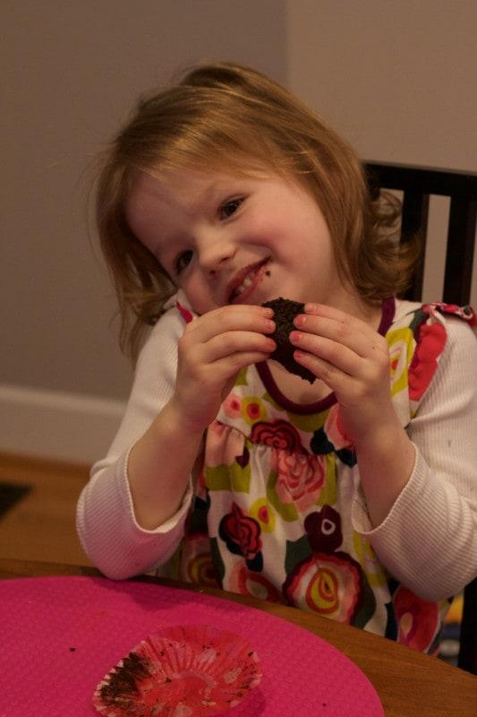M cupcake