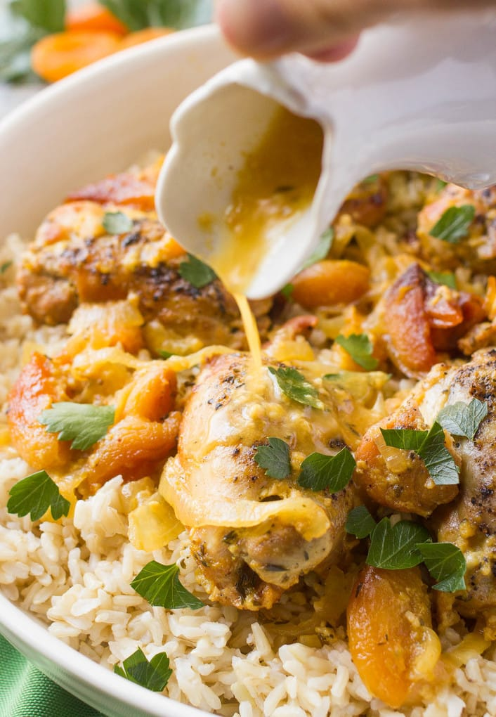 Slow cooker apricot chicken - a simple dinner recipe with big fresh flavors!