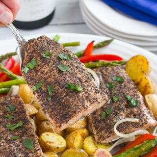 Salmon, potatoes and asparagus sheet pan dinner