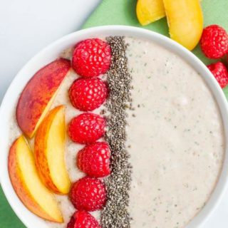 Peach, raspberry + spinach smoothie bowl