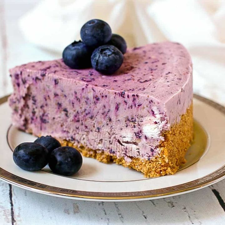 No-bake frozen blueberry pie - a super creamy summer dessert! | FamilyFoodontheTable.com