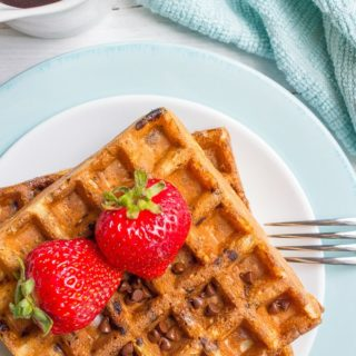 Chocolate chip oatmeal waffles - a delicious and sweet whole grain breakfast recipe!