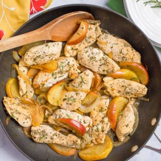 One-skillet sautéed chicken and apples with rosemary is an easy weeknight dinner recipe that's perfect for fall! | www.FamilyFoodontheTable.com