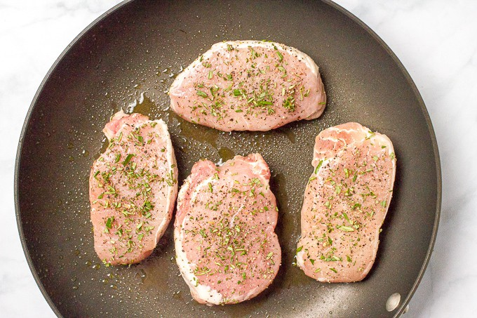 Pork chops with apple butter