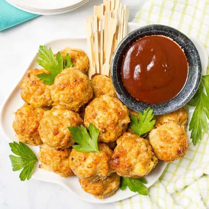 Cheesy chicken meatballs are easy to make, easy to bake and can be served as an appetizer or dinner!