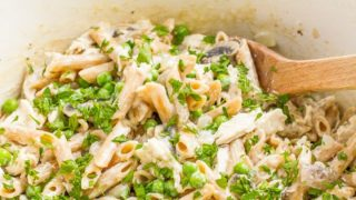 One-pot creamy chicken and mushroom pasta with peas
