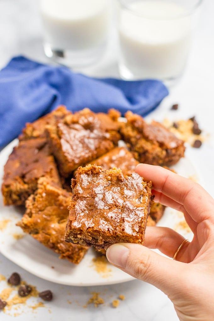 4-ingredient-chocolate-chip-brownies