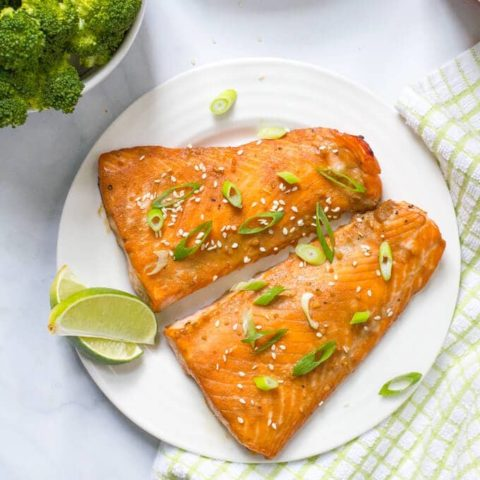 Easy bourbon salmon is a fast, flavorful dinner! | www.familyfoodonthetable.com