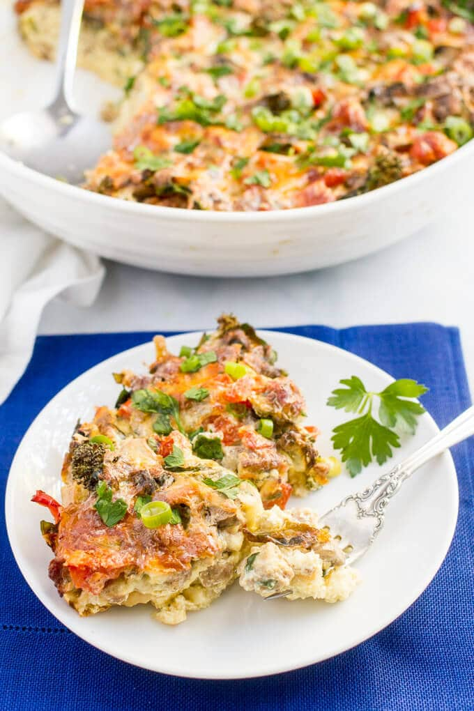 Make-ahead healthy turkey sausage breakfast casserole | www.familyfoodonthetable.com