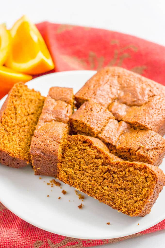 Mini whole wheat gingerbread loaves | www.familyfoodonthetable.com