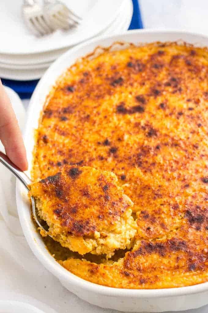 Overnight cheesy grits casserole - a great make ahead Southern breakfast or brunch recipe! | www.familyfoodonthetable.com